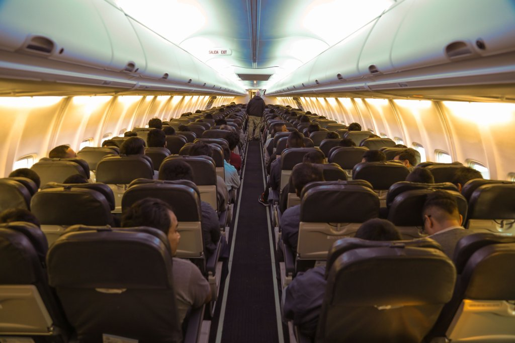 Avión lleno de pasajeros