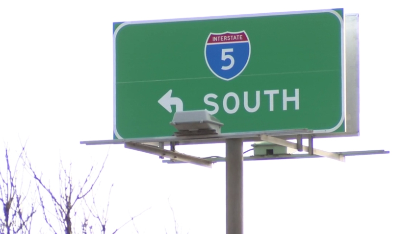 Interstate-5-generic-I_5-sign-highway-san-diego