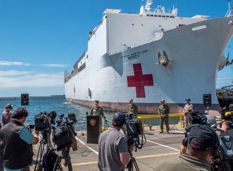 Fotos: USNS Mercy, el hospital flotante de la Marina que ayudará en la pandemia