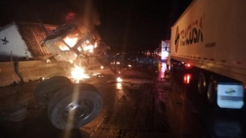 mexico-accidente-autopista-queretaro