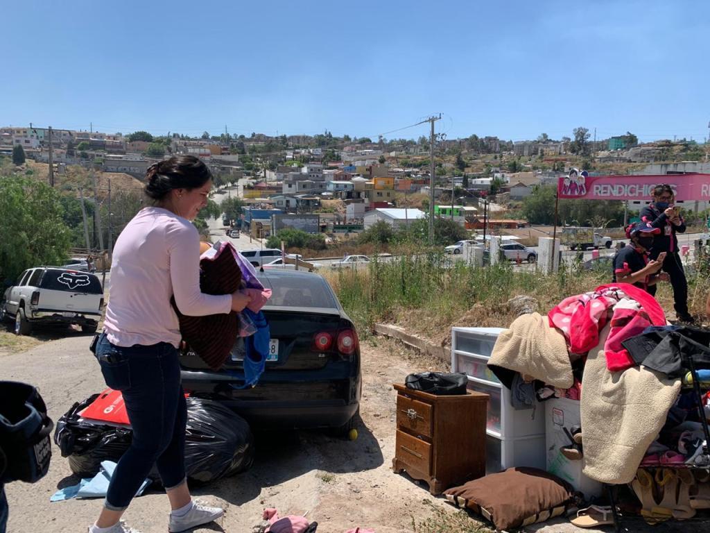 mujer desaloja su vivienda en Tijuana tras incendio