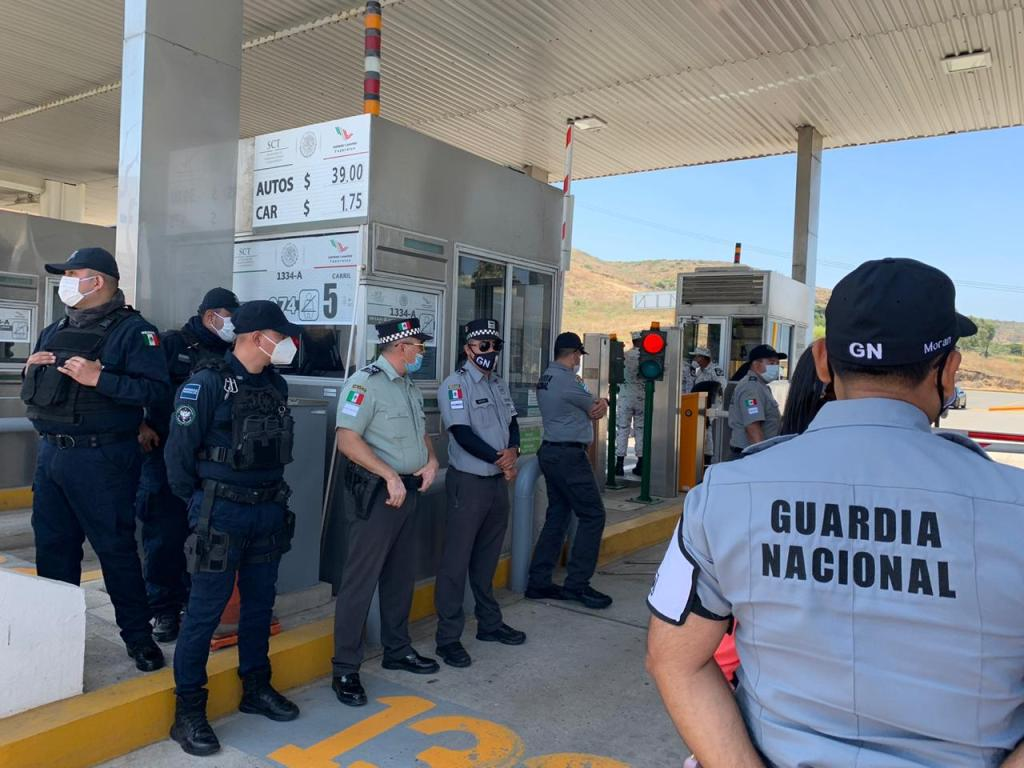 guardia nacional retoma operaciones de la caseta en tijuana