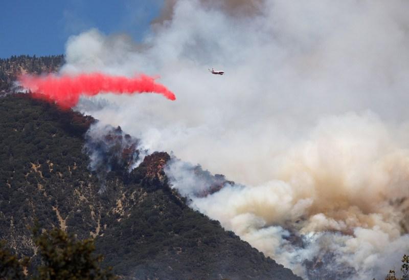 Fotos: Incendio Apple se extiende a más de 20,000 acres