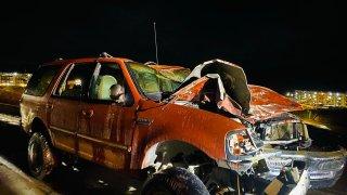 choque camioneta naranja