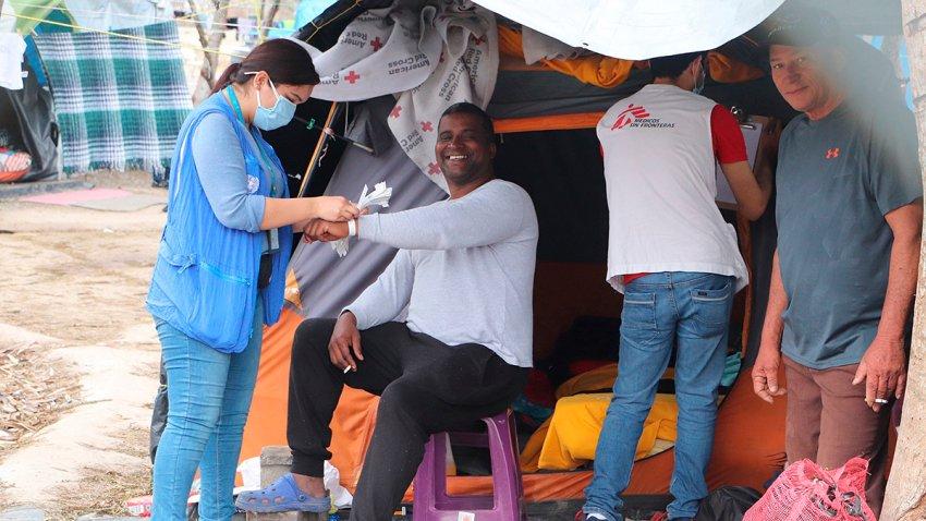 Ilusión en campamento migrante del norte de México con nuevo censo para  asilo – Telemundo San Diego (20)