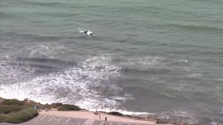 Search after boat overturns near Point Loma