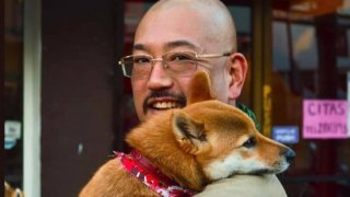 Taro Yoshida con su perro