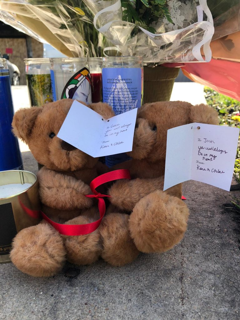 altar para los niños quemados en Chula Vista