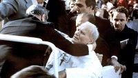 A 40 años del atentado: la bala zigzagueante que casi mata al Papa Juan Pablo II