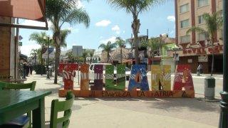 calles de Tijuana en víspera del Día de las Madres