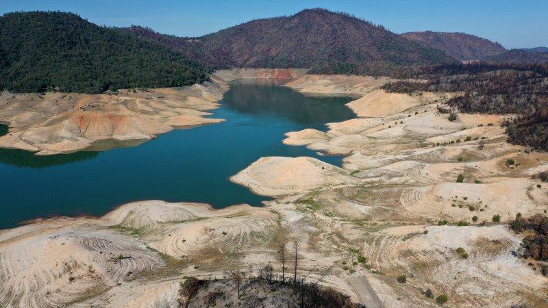 En fotos: sequía afecta a lagos y embalses de California