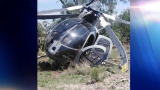 Fotografía de un helicóptero militar que se desplomó en el Estado de México