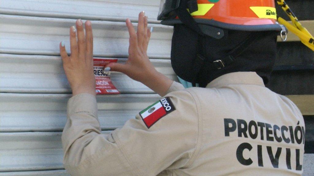 Protección Civil de Tijuana coloca sellos de clausura
