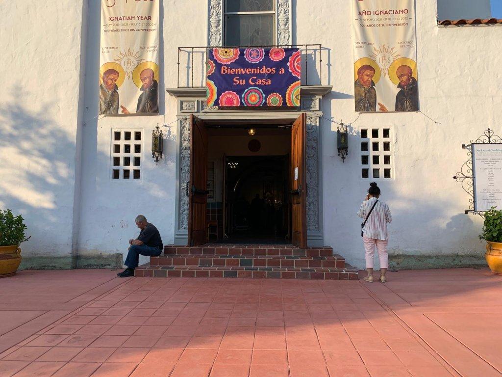 Frente de una iglesia