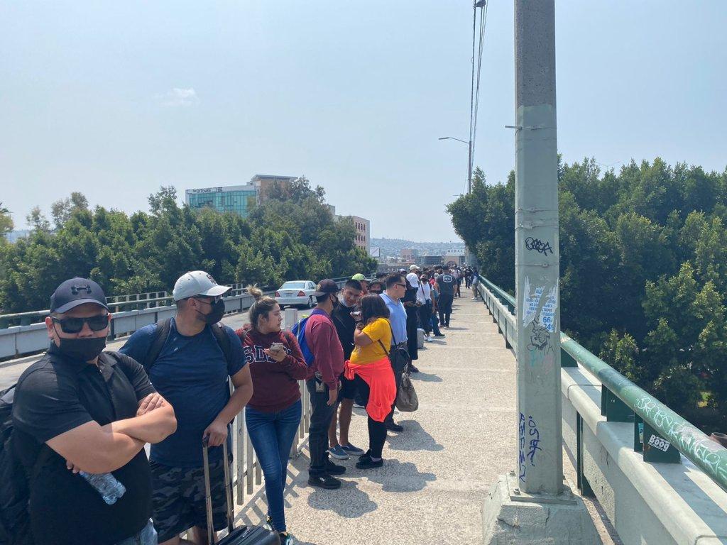 largas filas para cruzar a EEUU en la garita de San Ysidro peatonal 23 de agosto (1)