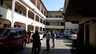 Detienen a inmigrantes en hotel en Tijuana