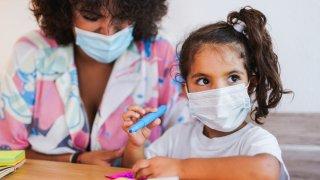 Lista: escuelas en el área de Phoenix que requieren el uso de mascarillas